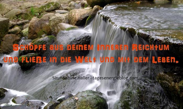 11-25-waterfall-1746226_1920