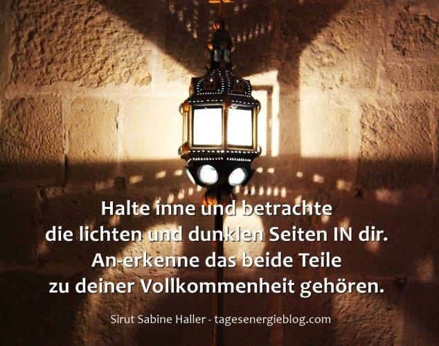 12-1-lamp-1568624_1920